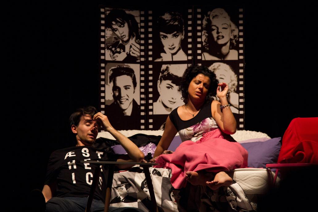 """La Compagnia Teatrale """"I SenzaFissaDimora"""" e l'Associazione Apart, mettono in scena la commedia """"Camere da Letto"""" di Alan Ayckbourn."""